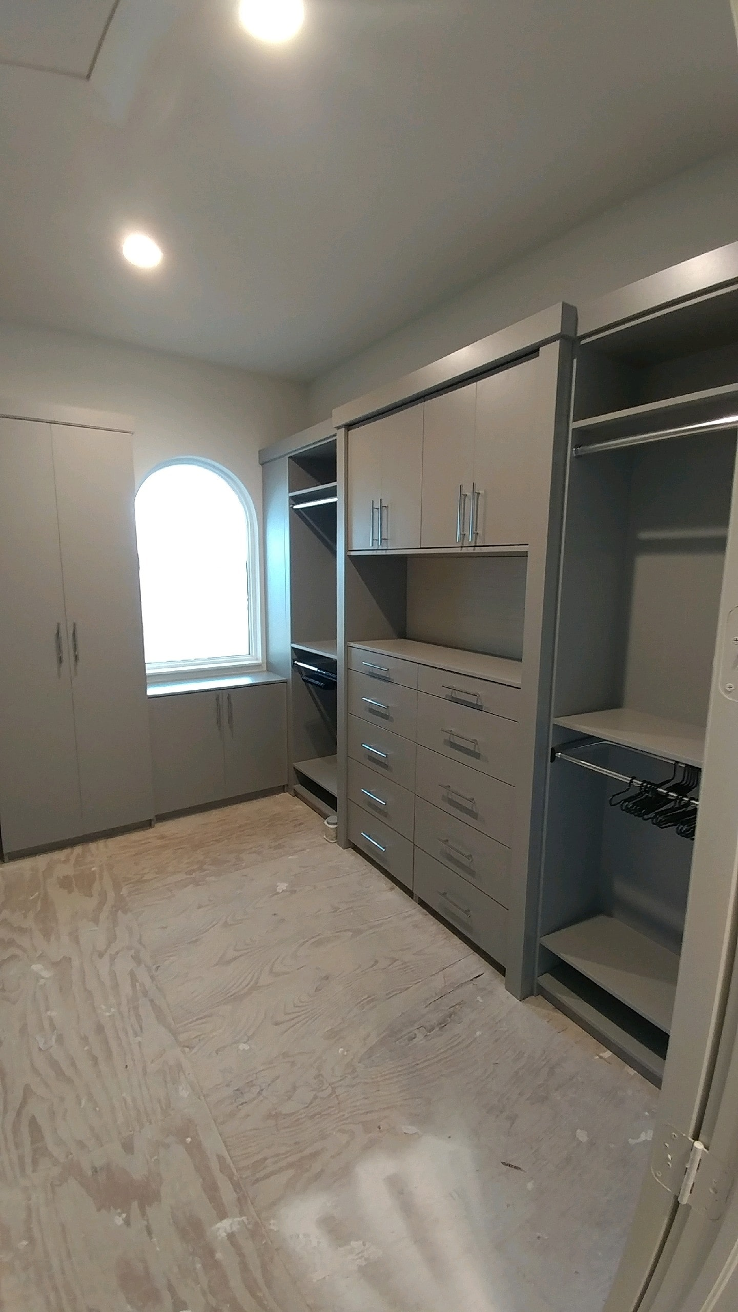 Custom Closet Floor Mounted Grey