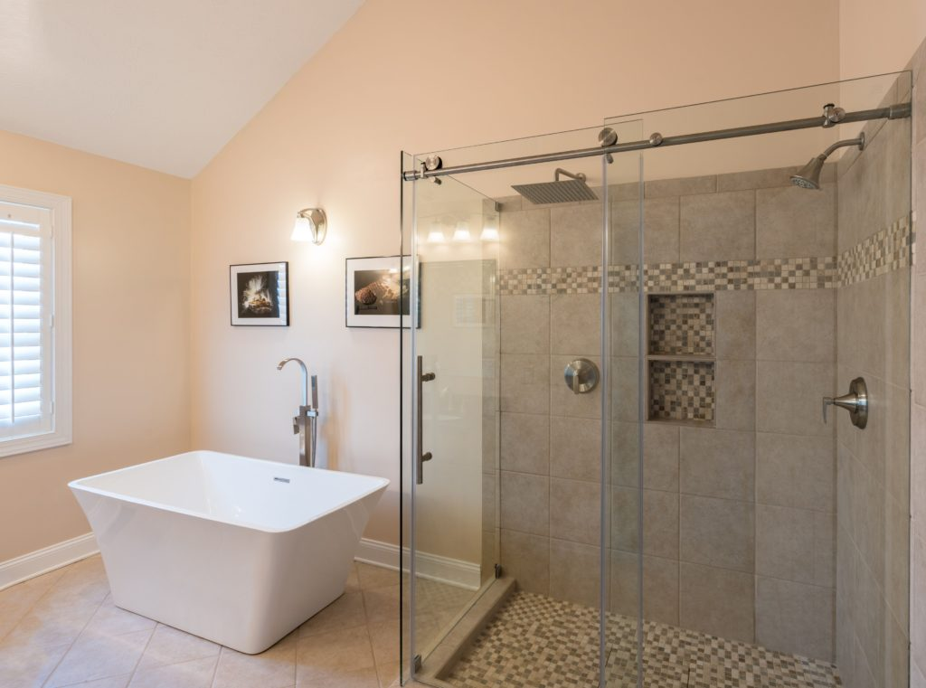 Custom Showers Semi-Frameless with Tub
