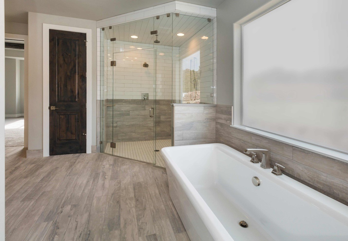 What Type of Shower Doors Can I Install In My Bathroom?