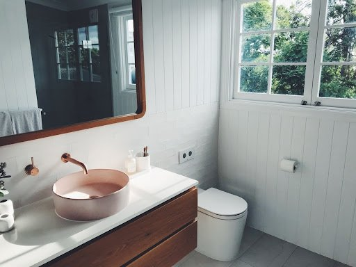 Read more about the article Small Bathroom Ideas That Make Your Space Look Larger Than You Think